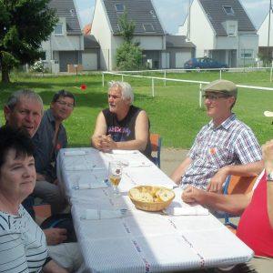 Martine, Phlippe, Yves, Franco, Daniel, Jean-Yves en attente du repas